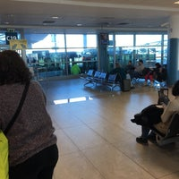 Photo taken at Gate C19 by Damián S. on 3/21/2018