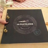Das Foto wurde bei La Pastelería von Evangelina F. am 8/10/2013 aufgenommen
