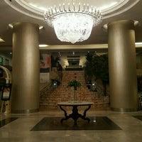 Photo taken at Garden Palace Hotel by Yudiaditya -. on 9/17/2016
