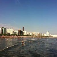 Foto tirada no(a) Praia do José Menino por Carolina T. em 11/20/2012