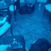Foto tirada no(a) Devman hotel por Cemaliye O. em 9/15/2016