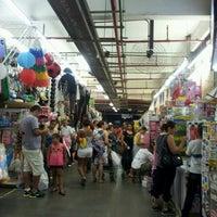 Foto tirada no(a) Mercadão de Madureira por Newton G. em 9/20/2012