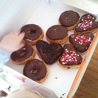 Photo prise au Dunkin Donuts par Robert B. le1/28/2014
