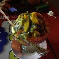 Photo taken at Restoran Al-Nazmaju by Dila A. on 6/22/2013
