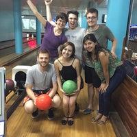Foto tirada no(a) Bowling Bar por Marjose G. em 1/21/2017