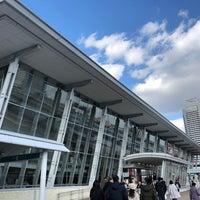 Photo taken at かもめりあ 中突堤中央ターミナル by fuyu👁🗨® (. on 1/2/2018
