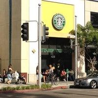 Photo taken at Starbucks by fuyu👁🗨® (. on 10/6/2012