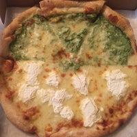 Photo taken at Cafe Viva Gourmet Pizza by Luisa M. on 5/15/2017