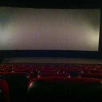 Foto tirada no(a) Кинотеатр «Маяк» por Vladimir K. em 11/8/2013