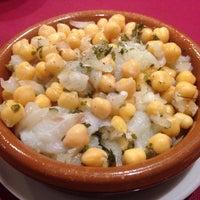 Foto tirada no(a) Oporto restaurante por Alex R. em 11/14/2015