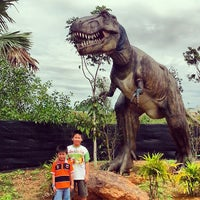 Photo taken at Melaka Wonderland by Yeetö L. on 8/8/2013