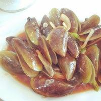 Photo taken at Sampan Seafood by Richardo P. on 5/26/2013
