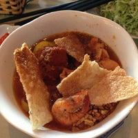 Photo taken at Cafe Nhật Nguyệt by Terpin N. on 11/29/2012