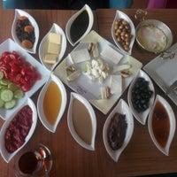 Photo taken at Gönül Kahvesi by Hatice 💞💞 A. on 4/27/2015