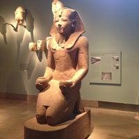 2/5/2013 tarihinde Max T.ziyaretçi tarafından Metropolitan Museum Steps'de çekilen fotoğraf