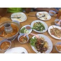 Photo taken at Di sayang Thai Malay Restoran by Pinkberry on 8/28/2014