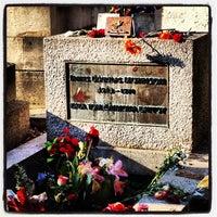 Photo prise au Tombe de Jim Morrison par Matias G. le1/17/2013