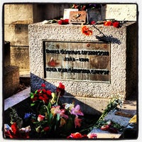 Photo taken at Tombe de Jim Morrison by Matias G. on 1/17/2013