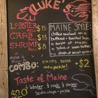 Foto tomada en Luke's Lobster por Janet L. el 10/9/2013