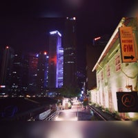 Photo taken at Marina Bay Seafood@Boat Quay by Roel P. on 5/12/2016
