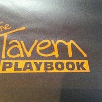 Foto tomada en The Tavern Sports Grill por Tony H. el 10/1/2013