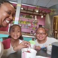 Photo taken at Sweet Cece's by Niecy's P. on 3/24/2015