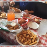 Photo taken at Uncle Bud's Catfish Shack by Taste T. on 3/23/2017