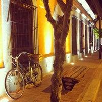 รูปภาพถ่ายที่ Plazuela Machado โดย Alfredo S. เมื่อ 10/30/2012