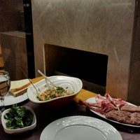 1/4/2015 tarihinde Sencer Murat Ç.ziyaretçi tarafından Pirzola Steak House'de çekilen fotoğraf