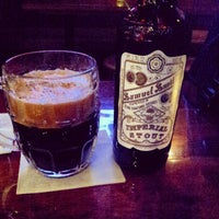 Photo taken at Pop Pub by Crisy B. on 3/25/2013