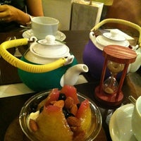Photo taken at Tea Connection by  Erika 💟 on 11/22/2012
