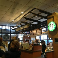 Photo taken at Starbucks by Everton G. on 3/11/2013