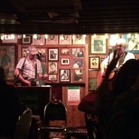Photo taken at The Shannon Door Irish Pub & Restaurant by Amy F. on 8/31/2013
