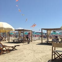 Photo taken at Bagno Il Cavallone by Huib B. on 7/30/2013