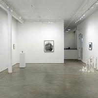 รูปภาพถ่ายที่ Bruce Silverstein Gallery โดย Bruce Silverstein Gallery เมื่อ 3/25/2015