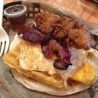 Foto tirada no(a) Torchy's Tacos por Allison L. em 3/1/2014
