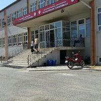 Photo taken at Yalvaç Teknik Bilimler Meslek Yüksekokulu by Ahmet V. on 8/17/2015