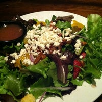 Photo taken at LongHorn Steakhouse by Delete on 12/17/2012