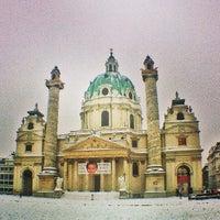 1/25/2013 tarihinde Theo P.ziyaretçi tarafından Karlskirche'de çekilen fotoğraf
