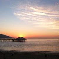 Photo prise au Malibu Sport Fishing Pier par Ian C. le9/29/2012