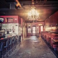 8/12/2013 tarihinde Michael B.ziyaretçi tarafından Twilite Lounge'de çekilen fotoğraf