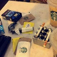 10/30/2015 tarihinde Sevgi K.ziyaretçi tarafından Starbucks'de çekilen fotoğraf