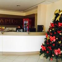 Foto tirada no(a) Apides Palace Hotel por Miss Verniz E. em 12/23/2014
