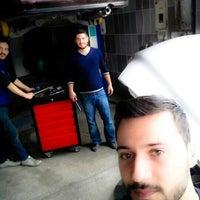 Photo taken at Hakan Mercedes-Bmw Tamir ve Bakım Servisi by Semih A. on 2/16/2016