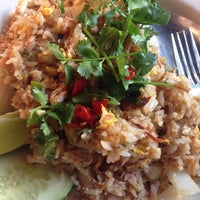 Photo taken at Mee-Sen Thai Eatery by Justin Y. on 7/18/2014