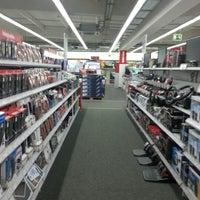 Foto diambil di MediaMarkt oleh Jonathon S. pada 6/16/2012