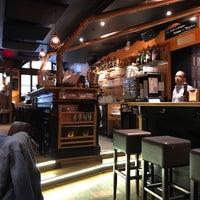 Photo prise au Demi Lune Café par Tarik F. le8/8/2017