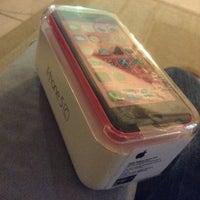 Photo taken at Switch (Apple Premium Reseller) by Eizuwan E. on 6/23/2014