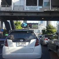 Photo taken at BRT อาคารสงเคราะห์ (Arkhan Songkhro) by vibul s. on 9/4/2017