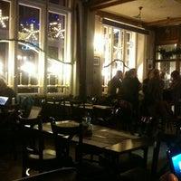 Снимок сделан в The Caledonia Budapest Scottish Pub & Shop пользователем Ivan R. 1/2/2013